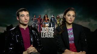 Justice League - Interview Ezra Miller GalGadot